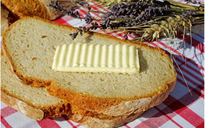 butter magerine brot fruehstueck pexels 531334