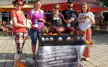 Peta grillt Hund Jena Markt